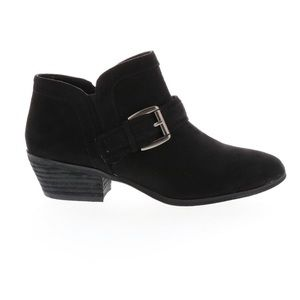 Chic Black Buckle Ankle Bootie